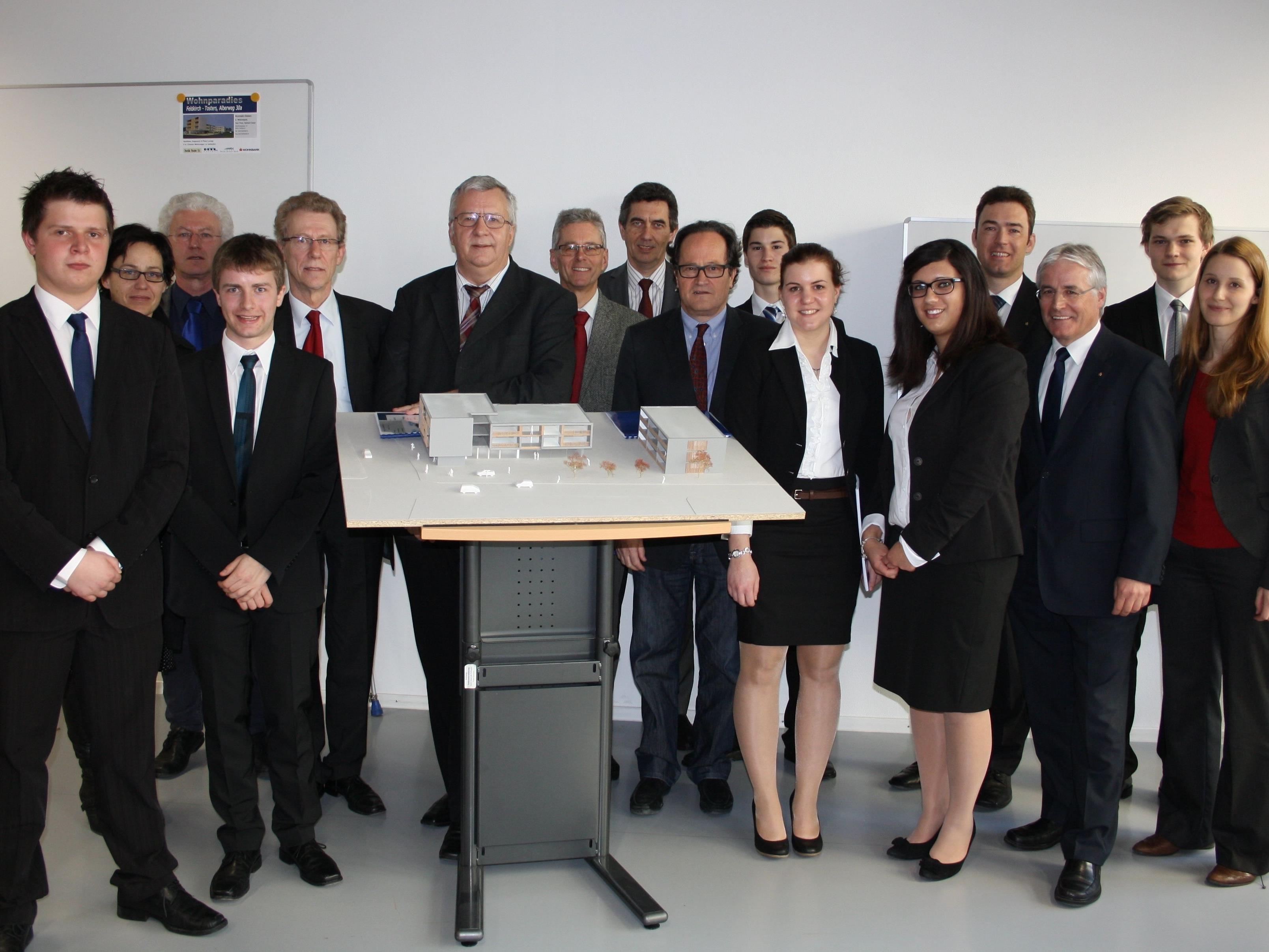 Auch das gemeinsame Schulprojekt von HTL Rankweil (Peter Fink, Lukas Lanser, Stephan Mauser) und HAK Feldkirch (Kathrin Dür, Corina Kuhn, Bernd Rauch) entstand mit Unterstützung der Sparkasse Feldkirch.