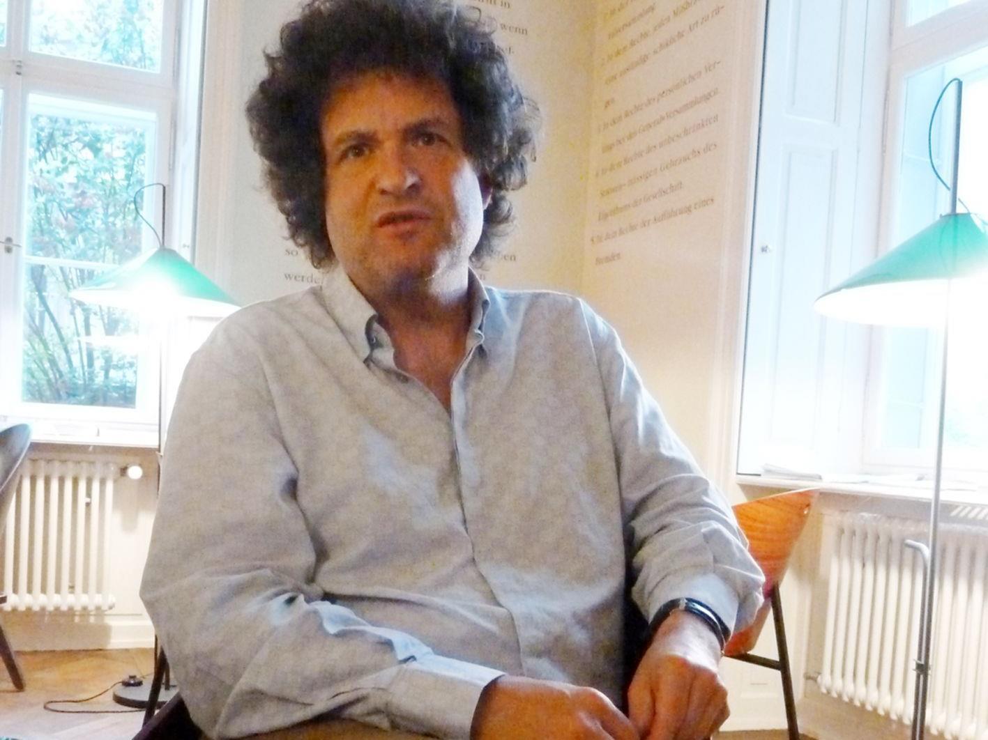 Morgen, am Dienstag den 5. Juni, liest der Direktor Hanno Loewy um 19.30 Uhr  Texte von Woody Allen.