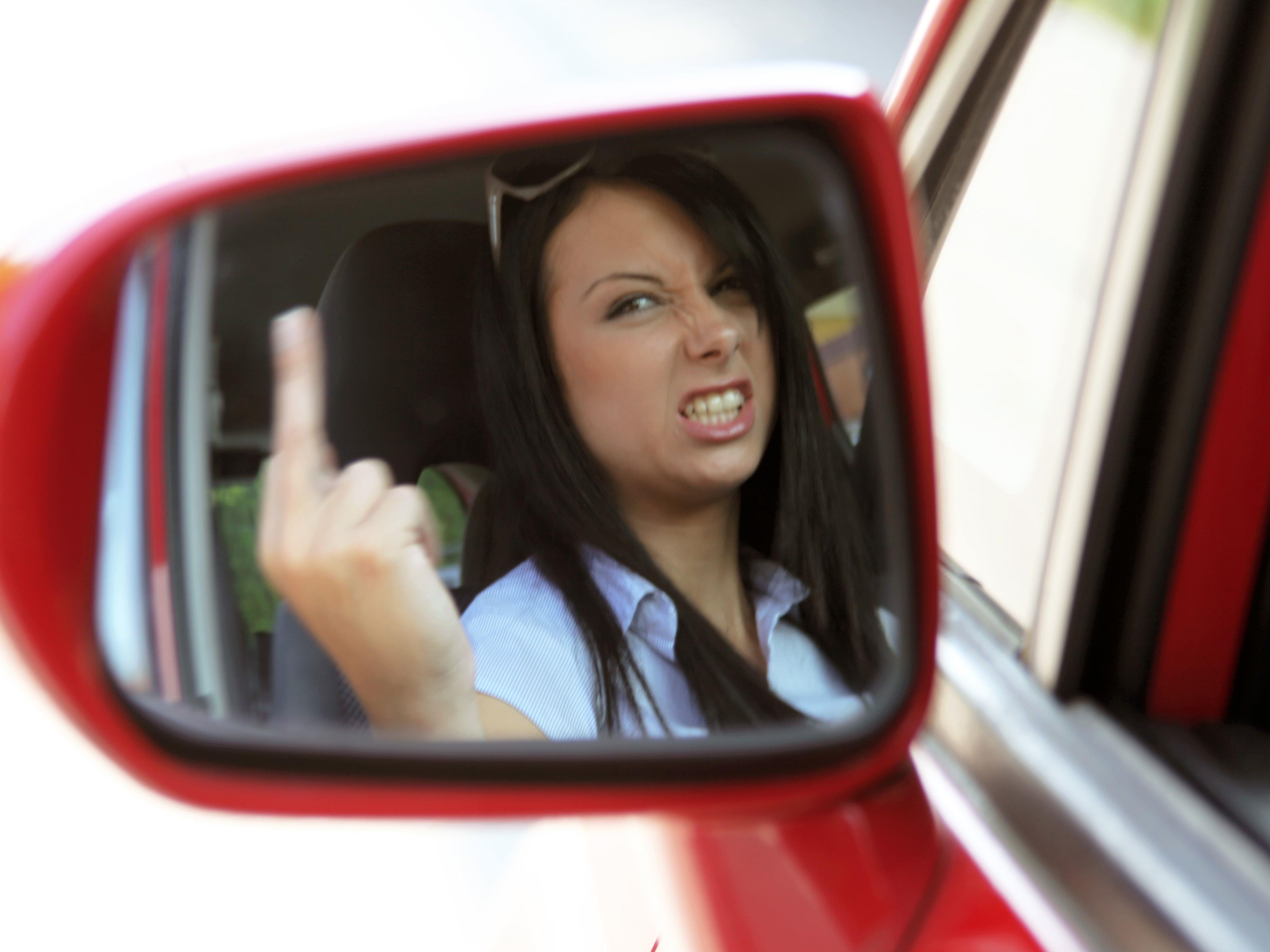 Fahrer, die mit aufbrausendem Verhalten im Straßenverkehr auffallen, ärgern Österreichs Autofahrer am meisten.