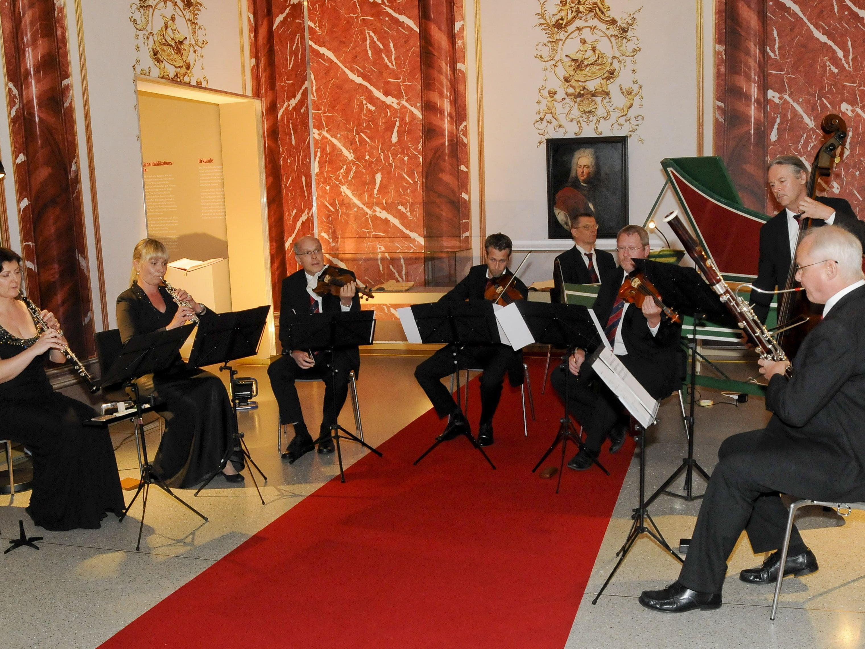 Liechtensteinische Hofmusik mit Leiter Werner Gloor (Fagott).