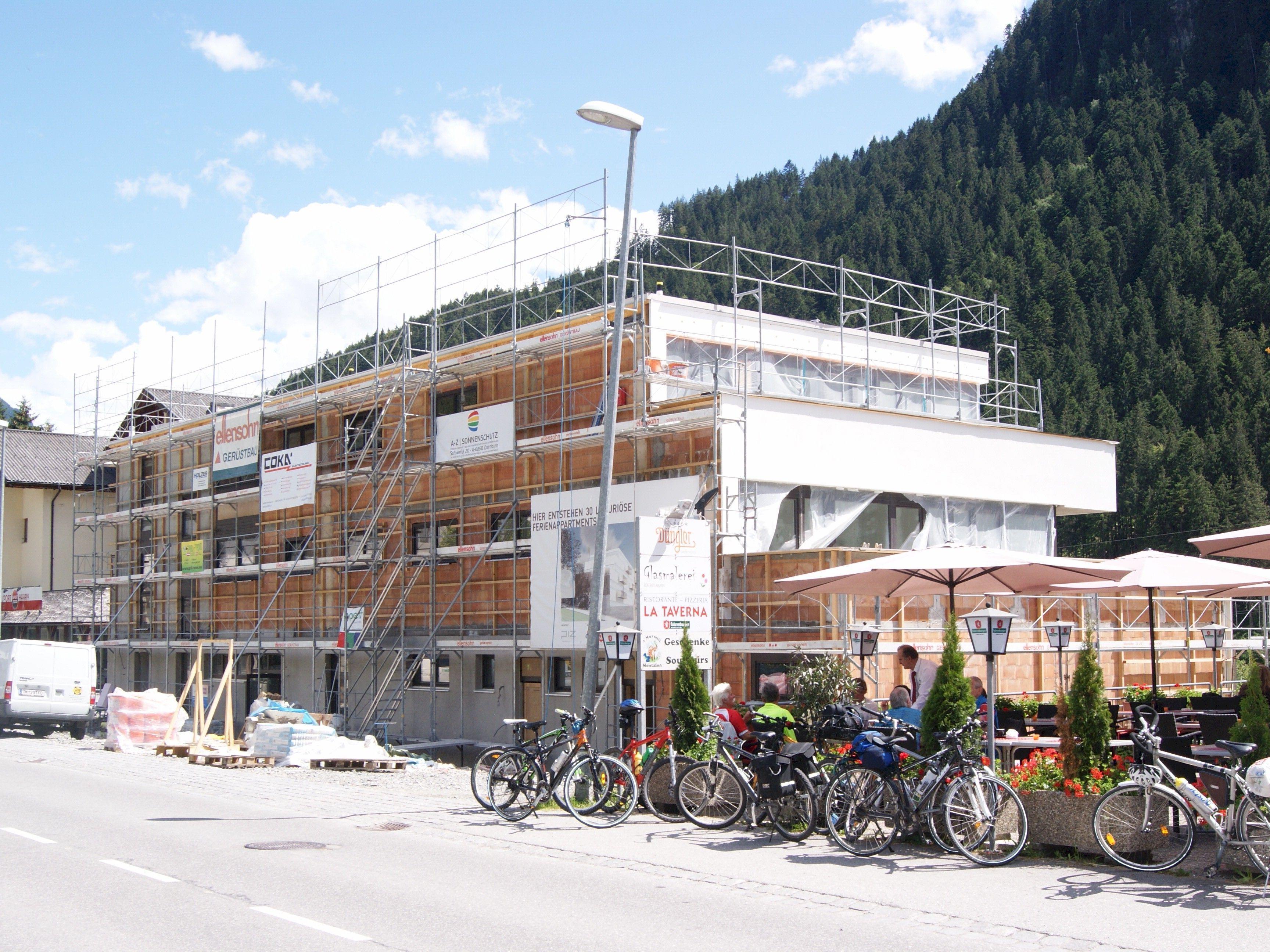 Bald wird der Neubau des Apparthotels Gastauer eröffnet.