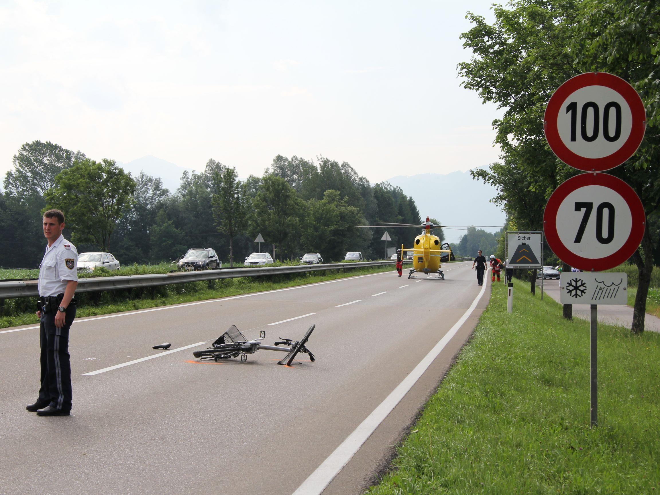 Schwerer Verkehrsunfall auf der Lustenauerstraße.
