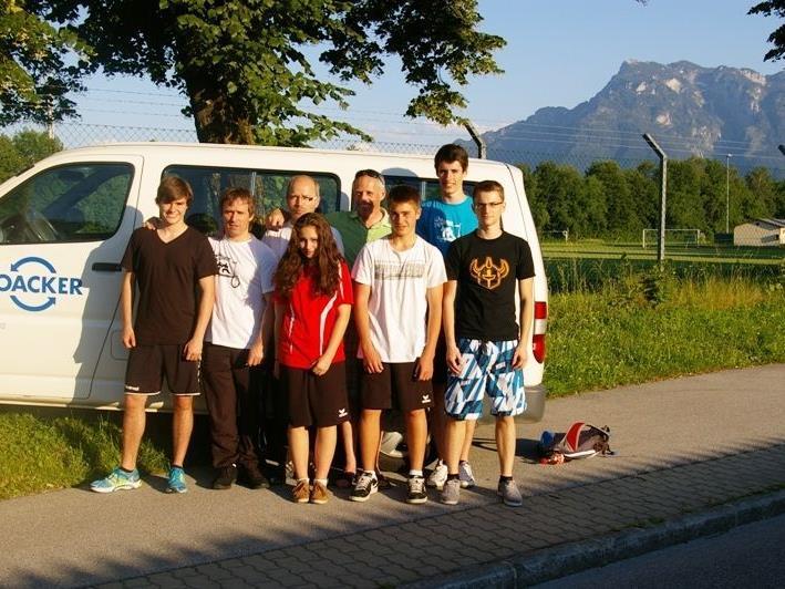 Die Götzner Karatekas auf der Fahrt nach Salzburg
