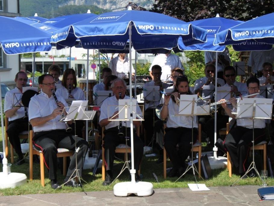 Die Gemeindemusik Götzis sorgte für Stimmung beim Sommerplatzkonzert in Götzis