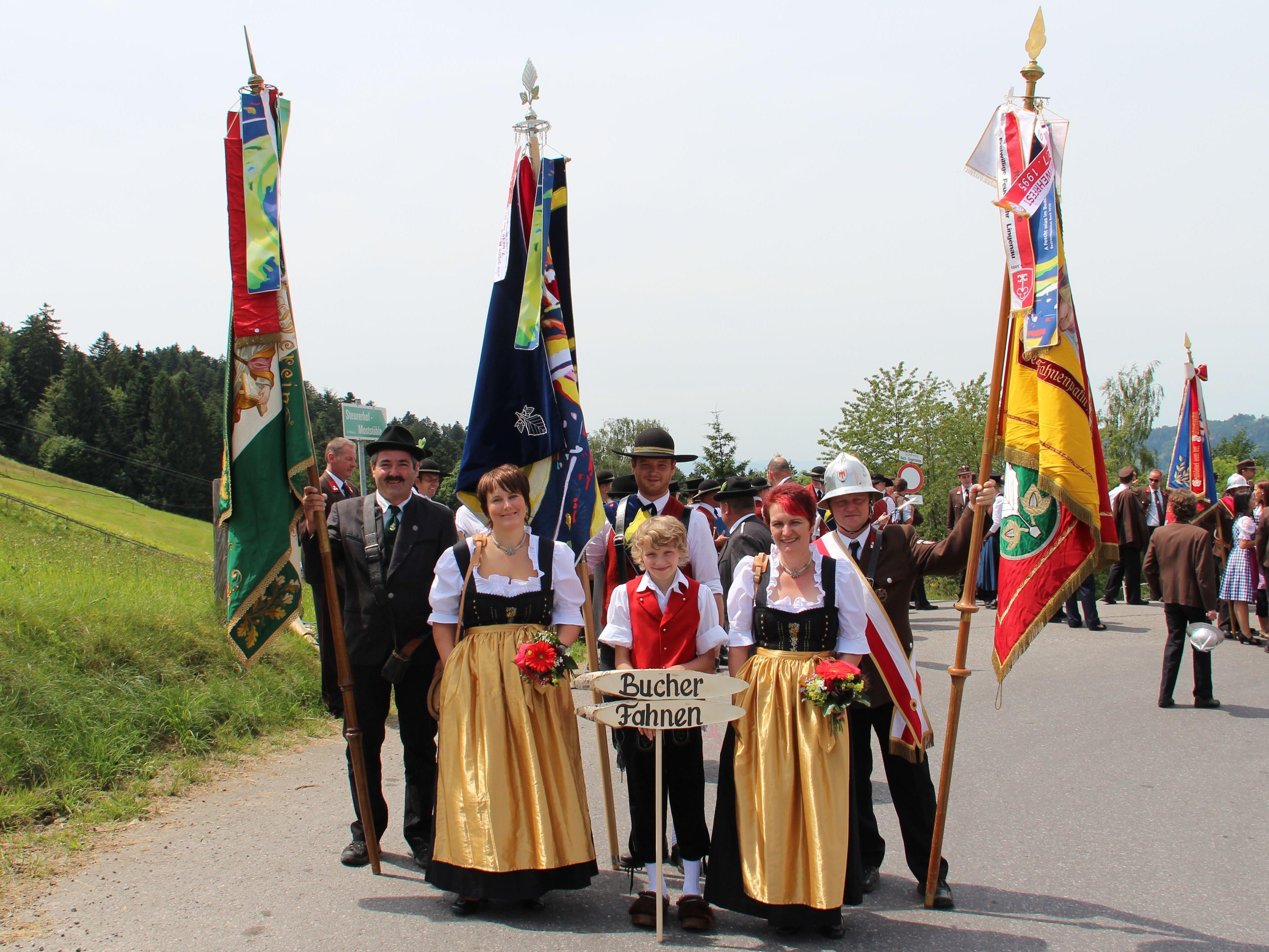 Bei Kaiserwetter feierten die Bucher das 85-jährige Jubiläum ihrer Feuerwehr.