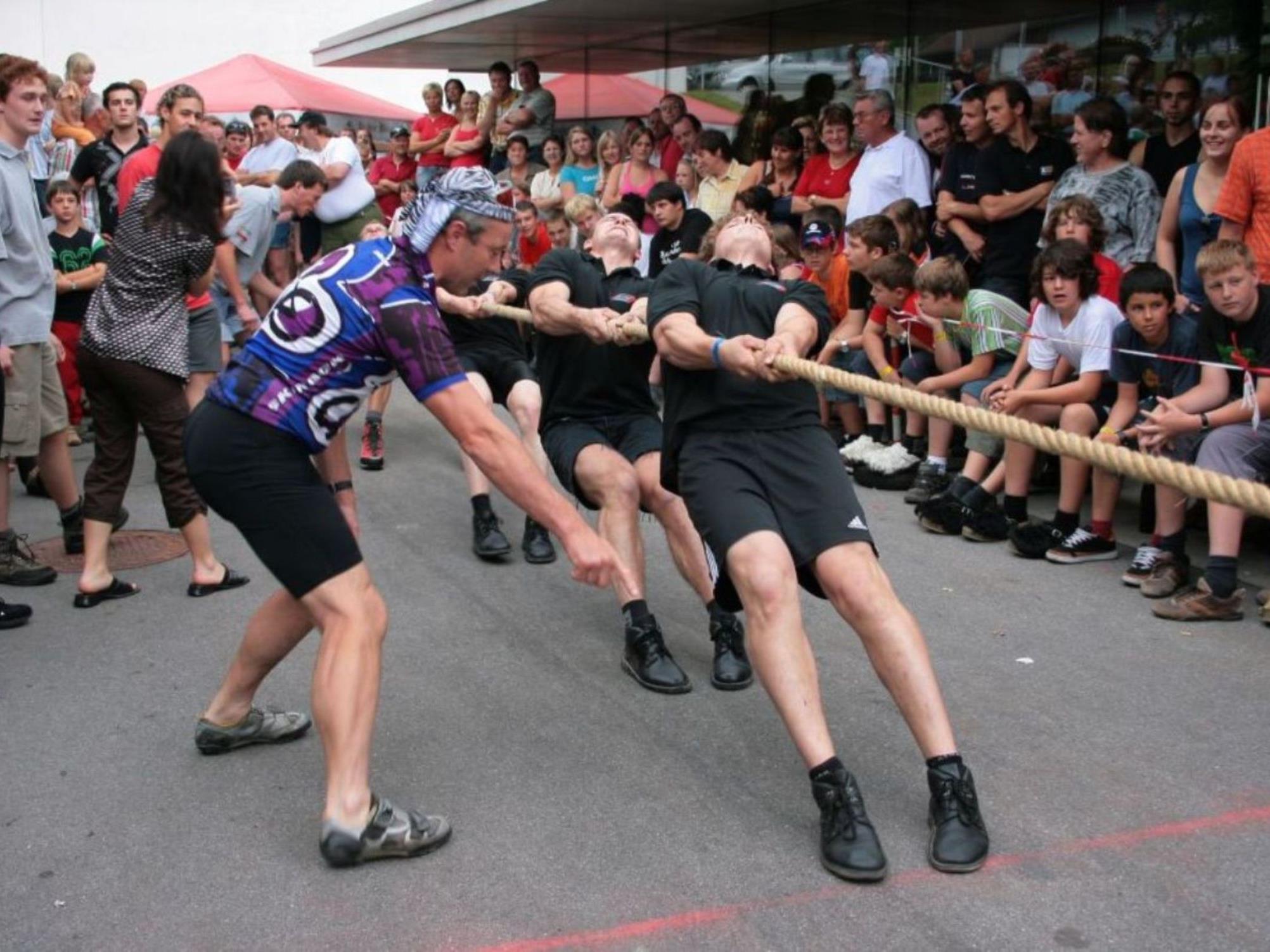 Spaß und sportliches Kräftemessen ist beim Feuerwehrfest Buch angesagt.