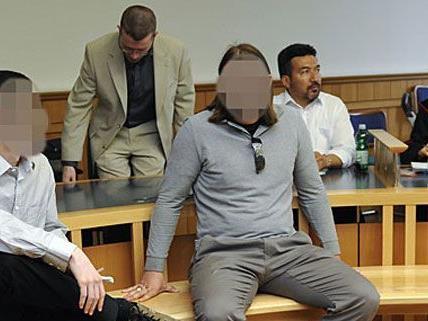 Auch am Montag gab es einige technische Pannen beim Islamisten-Prozess in Wien.