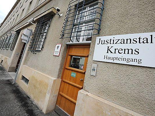 Die Tatverdächtige wurde in ihrer U-Haft in der Justizanstalt Krems mit dem belastenden Gutachten konfrontiert