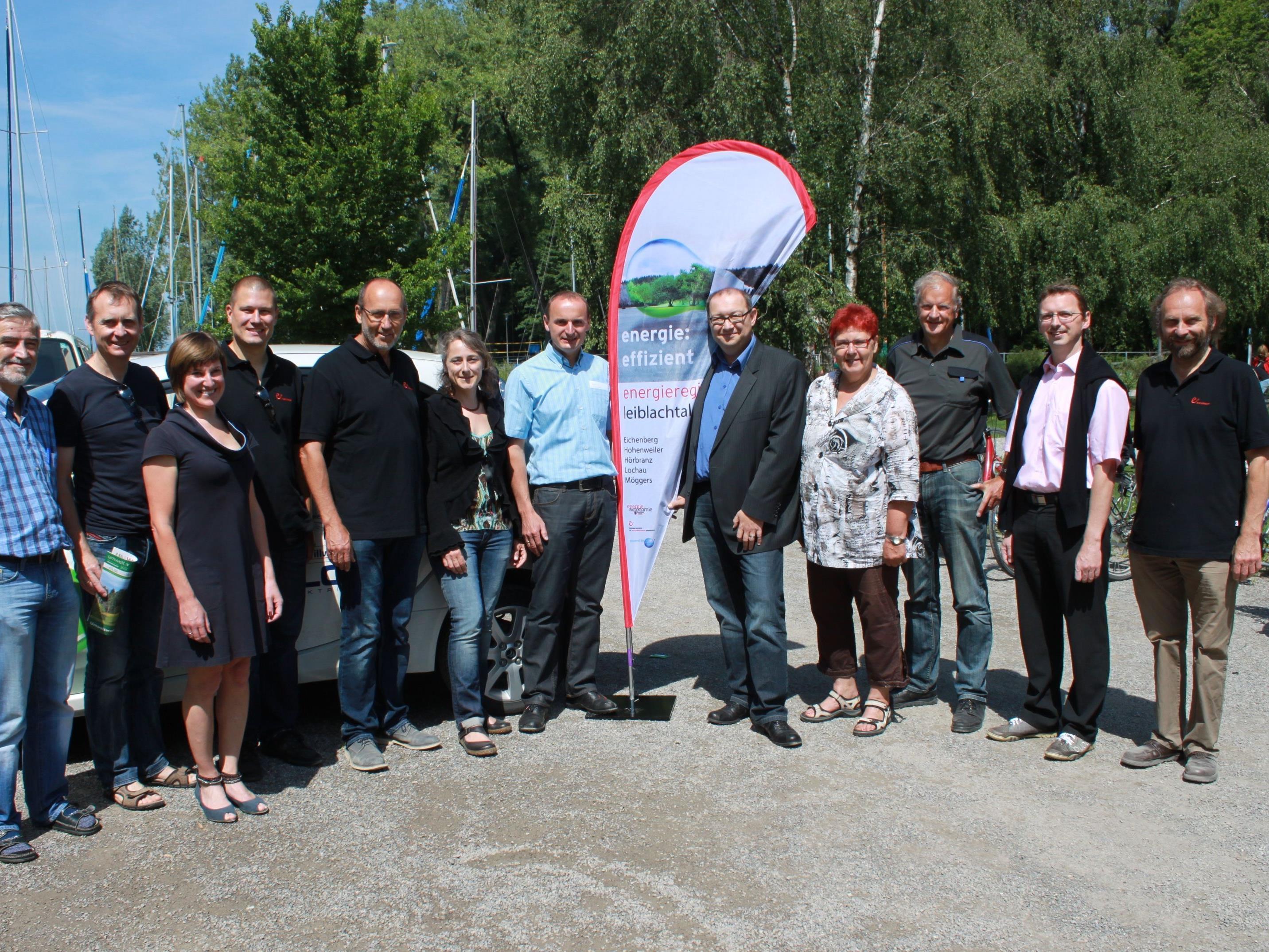 """Vertreter aus allen Leiblachtalgemeinden trafen sich zur Präsentation des Projektes """"Energieregion Leiblachtal""""."""