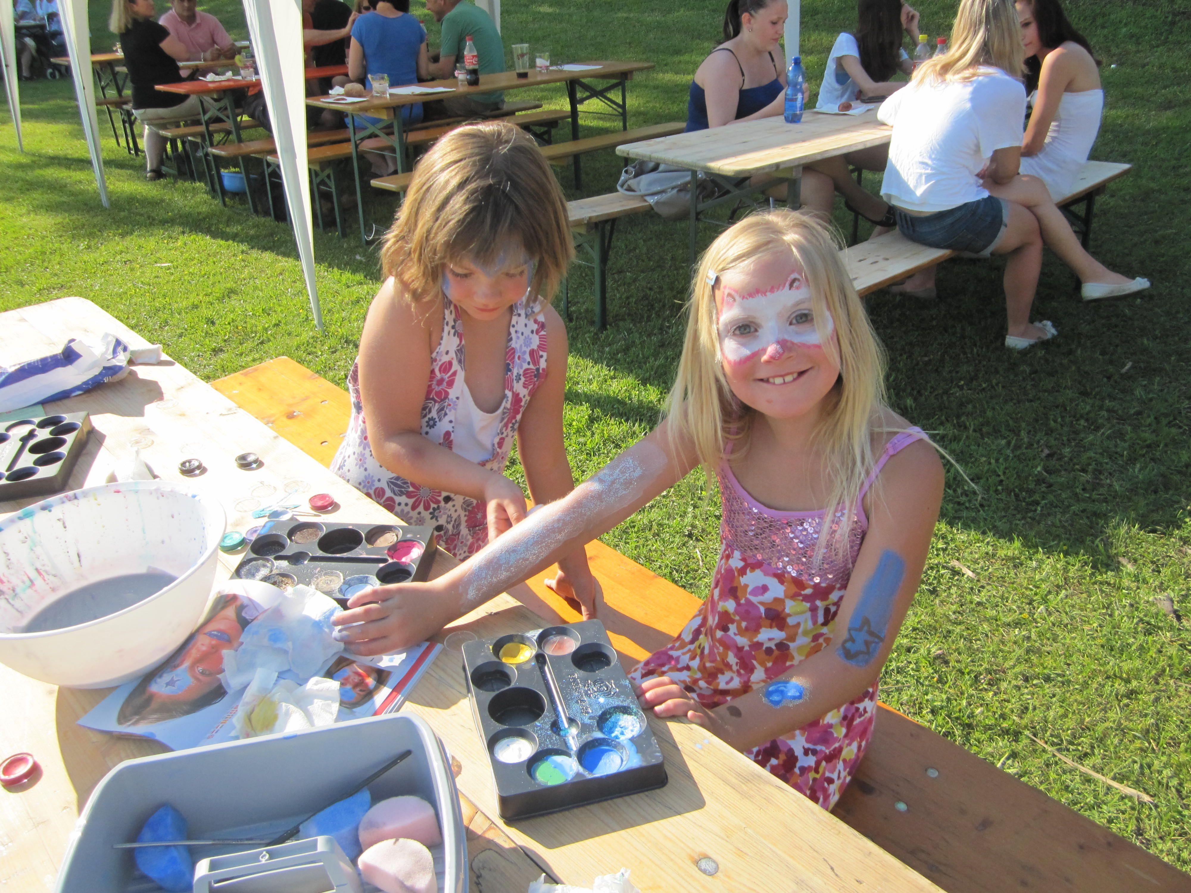 """Auch Kinderschminken war beim ersten """"Moos-Hock"""" sehr beliebt"""