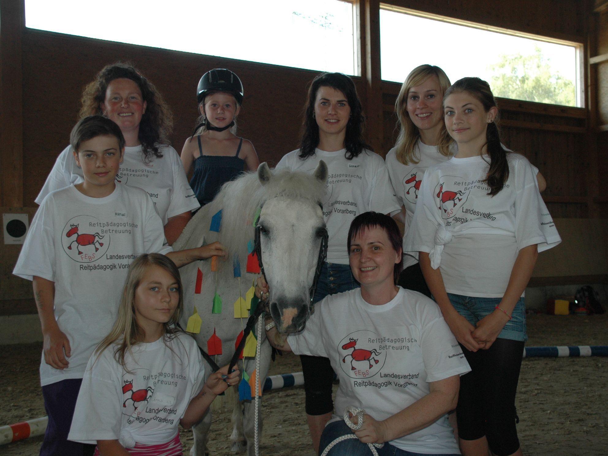 Hatten Spaß beim Ponyfäscht: Sigrid, Simone, Karoline, Gerda & Pferd Bori, Alissa, Mathias, Dana & Anna