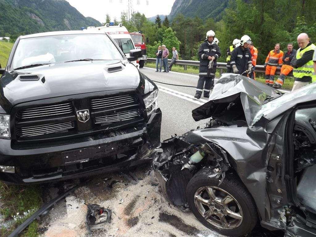 Auf der S16 ist es am Dienstag zu einem schweren Verkehrsunfall gekommen.
