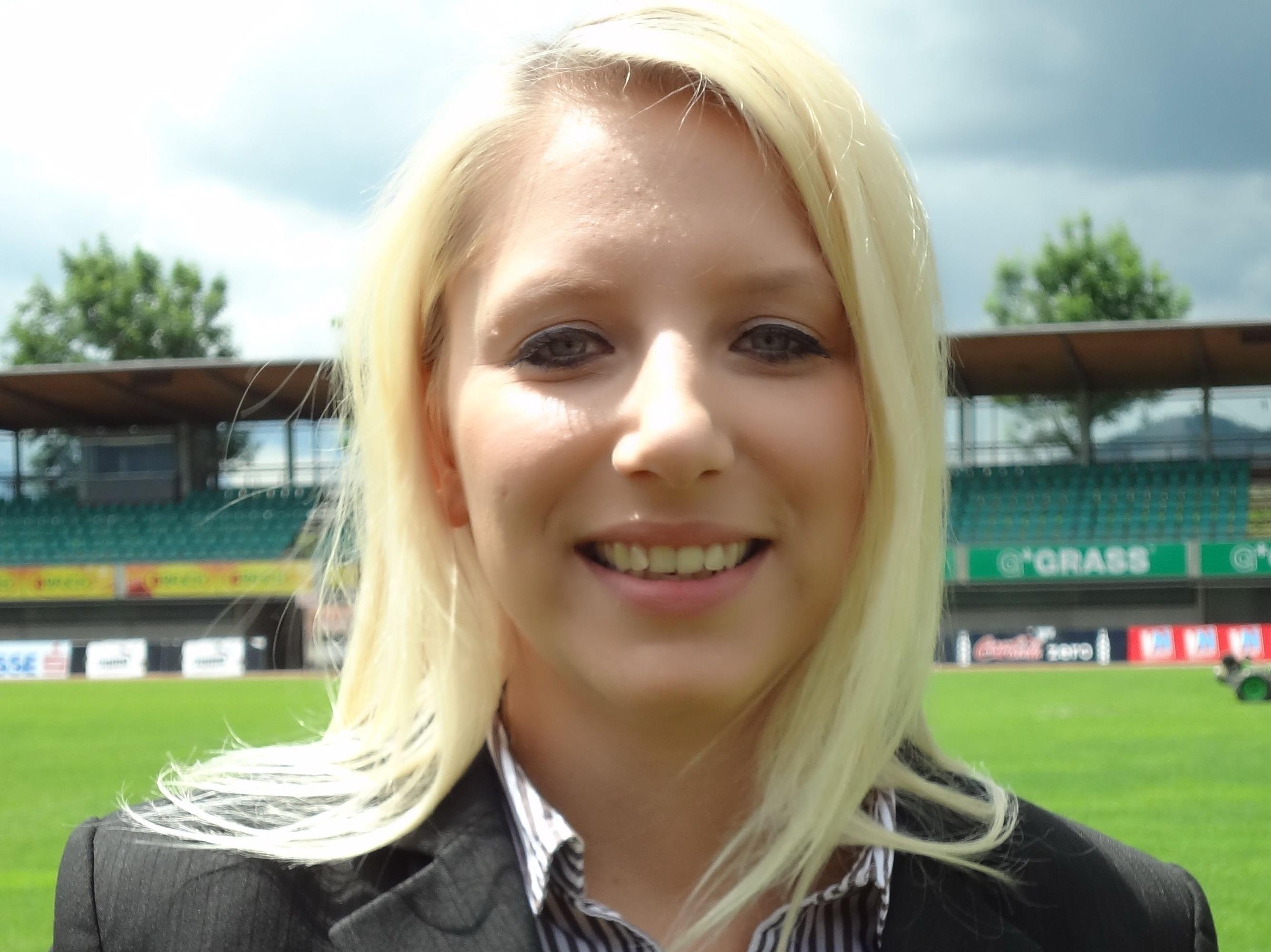 DIe Lustenauerin Nicole Hosp besucht regelmäßig die Spiele von Austria Lustenau.