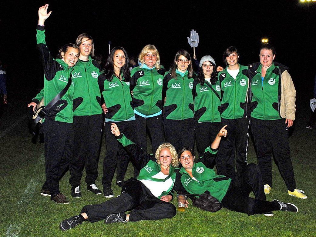 Unter den Eröffnungsteilnehmern befand sich auch die Damenfußball-Mannschaft aus St. Gallenkirch.