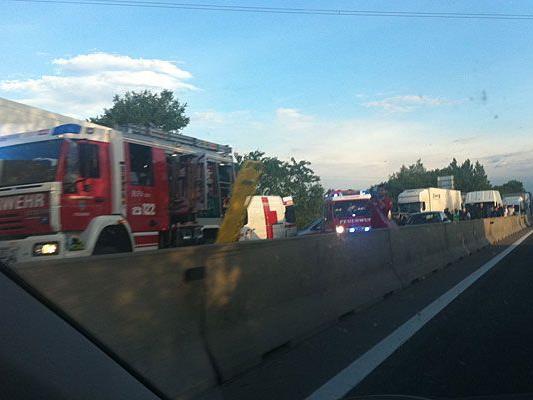 Auf der A4 gab es einen schweren Sattelschlepper-Unfall