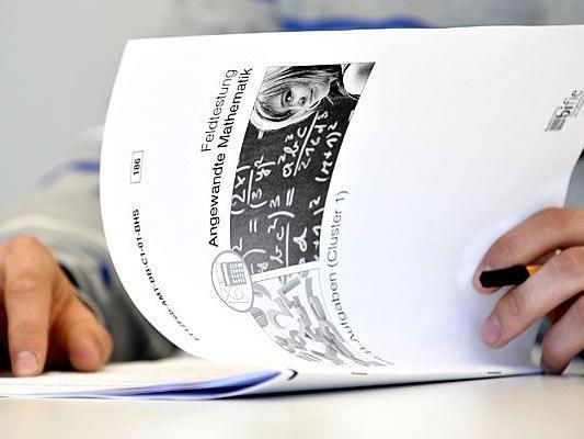Bei der Zentralmatura kommen standardisierte Prüfungsfragen - etwa im Fach Angewandte Mathematik