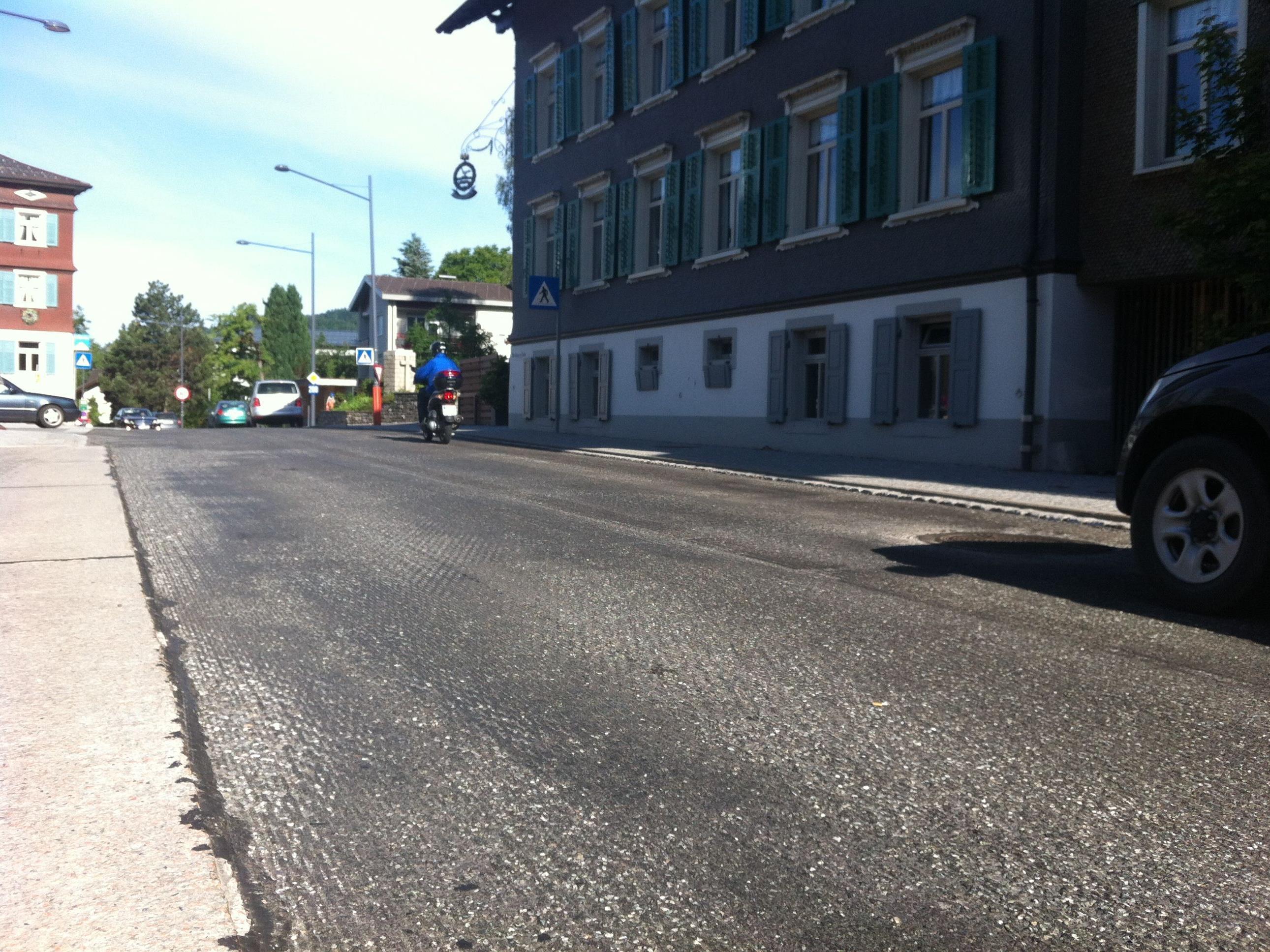 L 200 im Alberschwender Dorfzentrum nach den Reinigungsarbeiten.