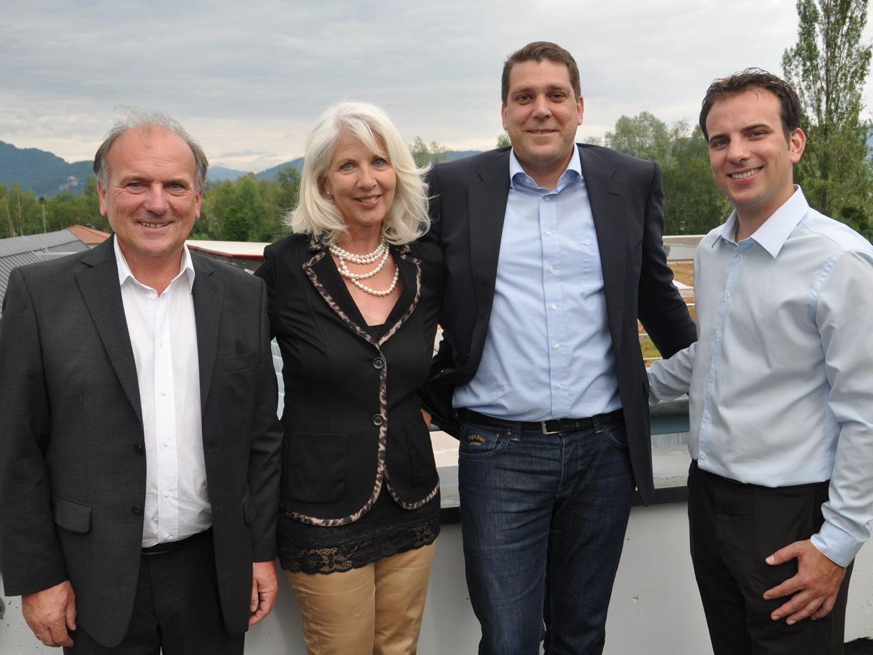 Manfred und Karin Amann mit Harald Köhlmeier und Marius Amann.
