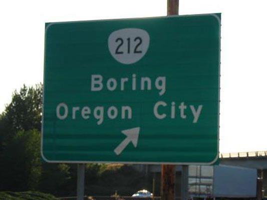 Boring in Oregon und Dull in Schottland kooperieren.