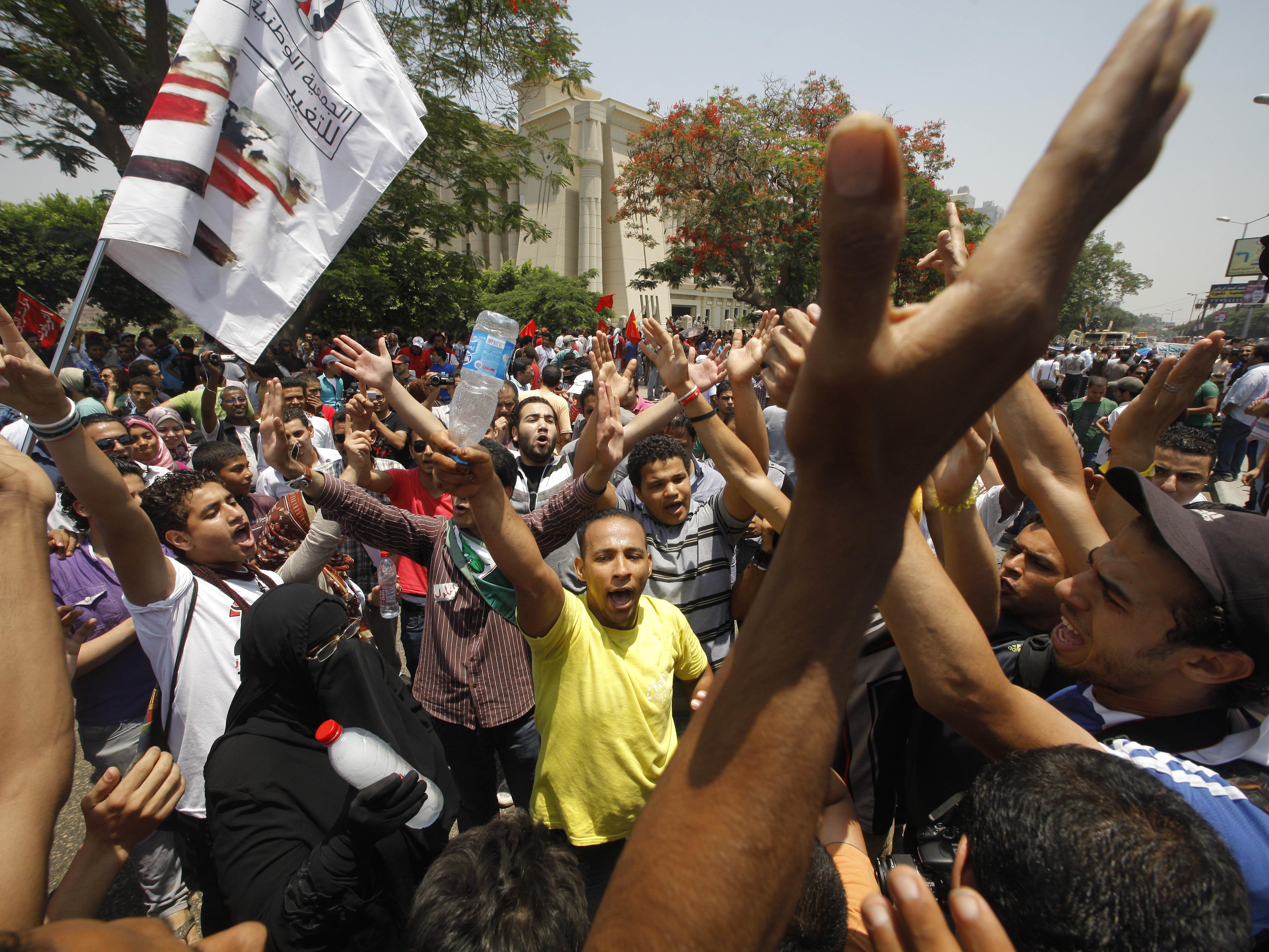 Islamisten nach Parlamentsauflösung in Ägypten unter Schock.