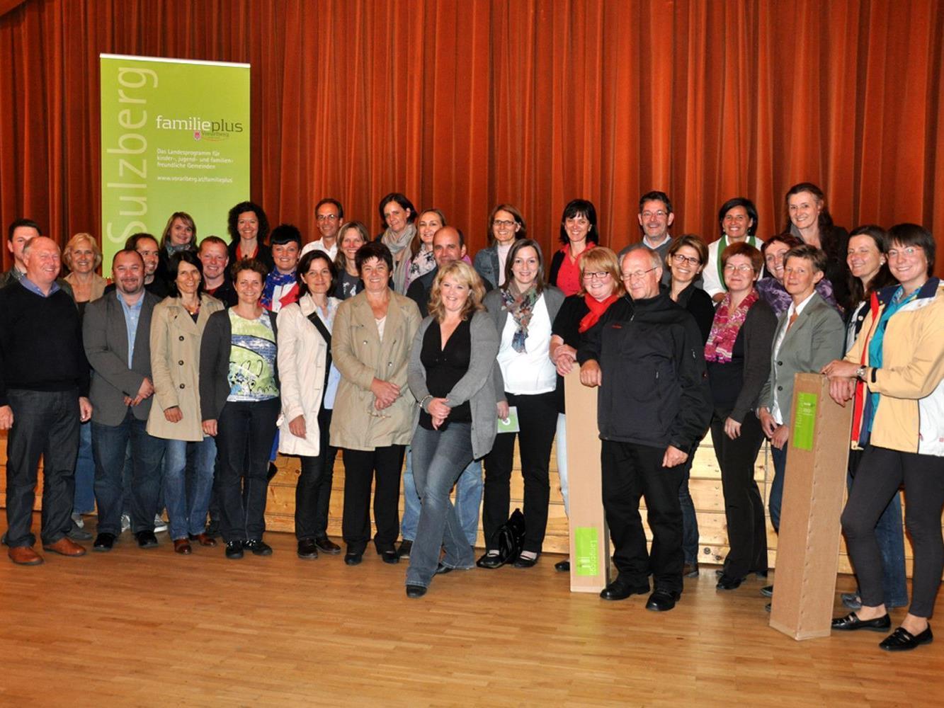 """Vertreterinnen und Vertreter der """"familienplus""""-Gemeinden trafen sich in Sulzberg zum Meinungs- und Erfahrungsaustausch."""