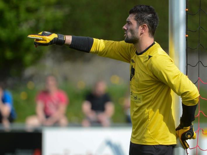 Goalie Göki Hacisalihoglu bleibt beim Hella DSV.