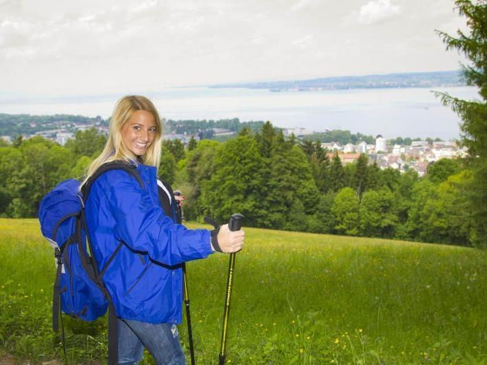 Am Wochenende sollte man bei Wanderungen eine Jacke nicht vergessen.