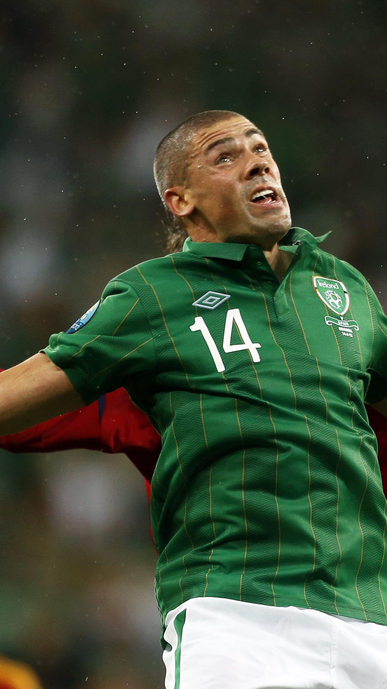 Torres im Doppelpack, Silva und Fabregas trafen für drückend überlegenen Titelverteidiger - und spielten die Iren schwindlig.