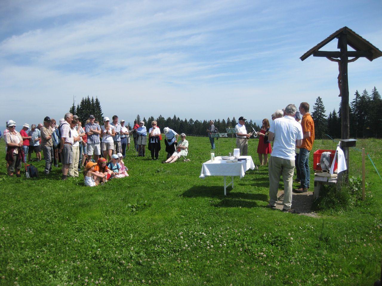 Bei schönem Wetter kamen viele Gäste zur Bergmesse