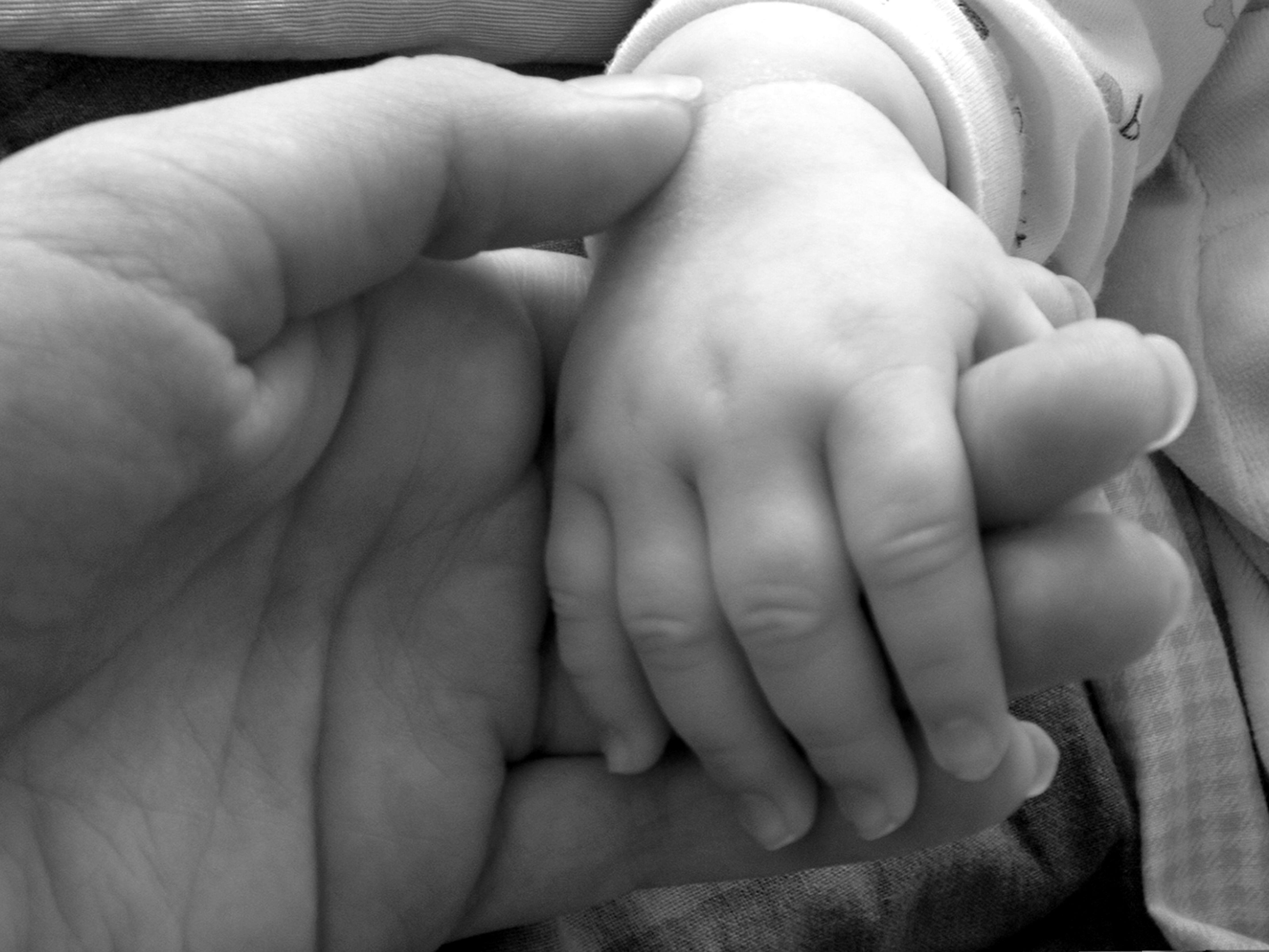 """Die Jugendwohlfahrt kann den Eltern bei """"Gefahr in Verzug"""" die Obsorge über Pflege und Erziehung der Kinder entziehen."""