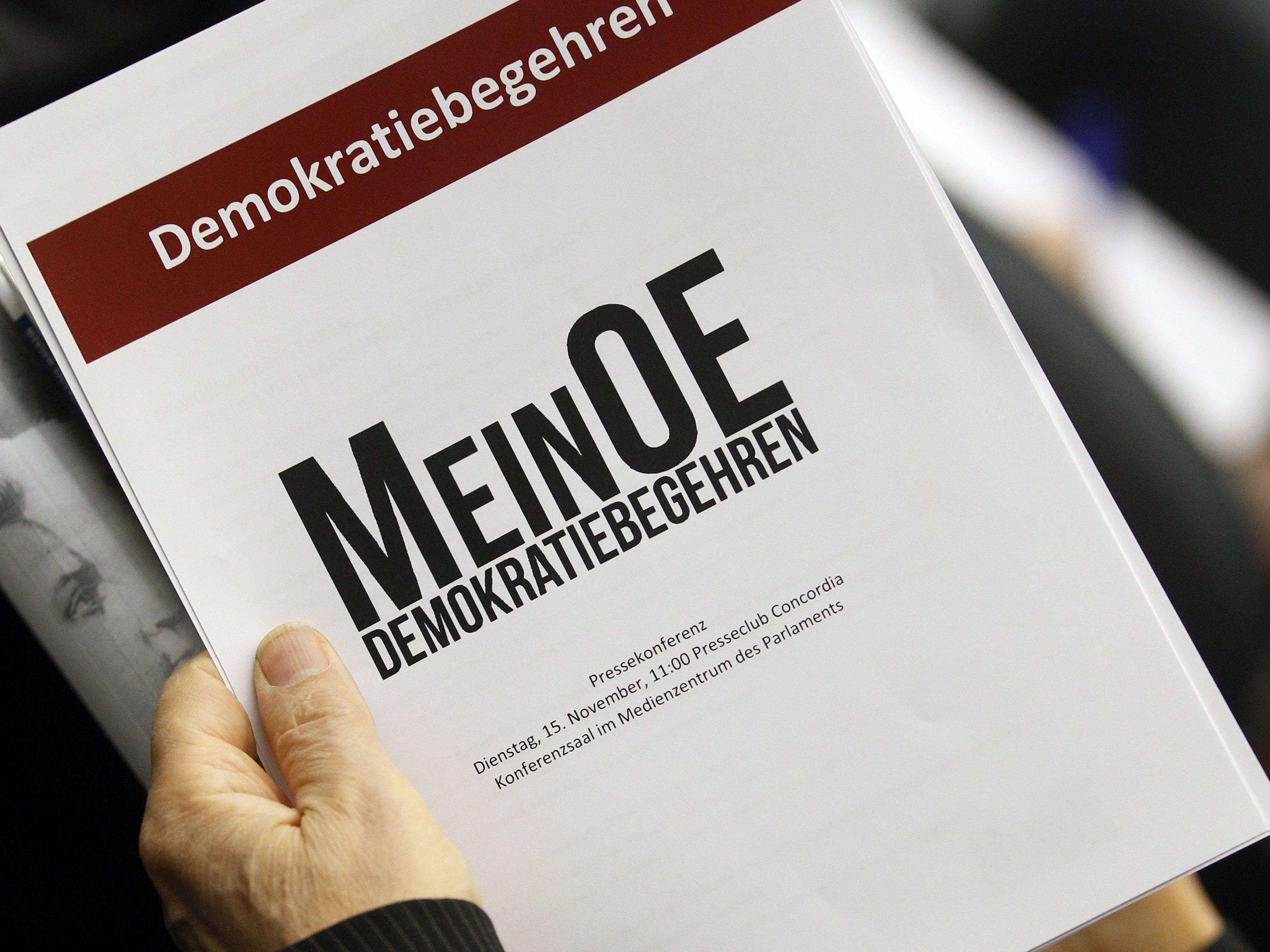 Die Unterstützer von MeinOE standen am Samstag in Salzburg Schlange.