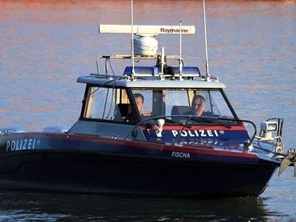 Das Polizeiboot FISCHA war am Sonntag im Einsatz als ein Mann aus der Donau geretttet wurde.