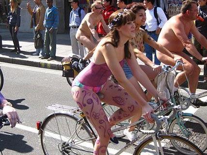 Wie hier in London soll am Freitag auch in Wien nackt geradelt werden.
