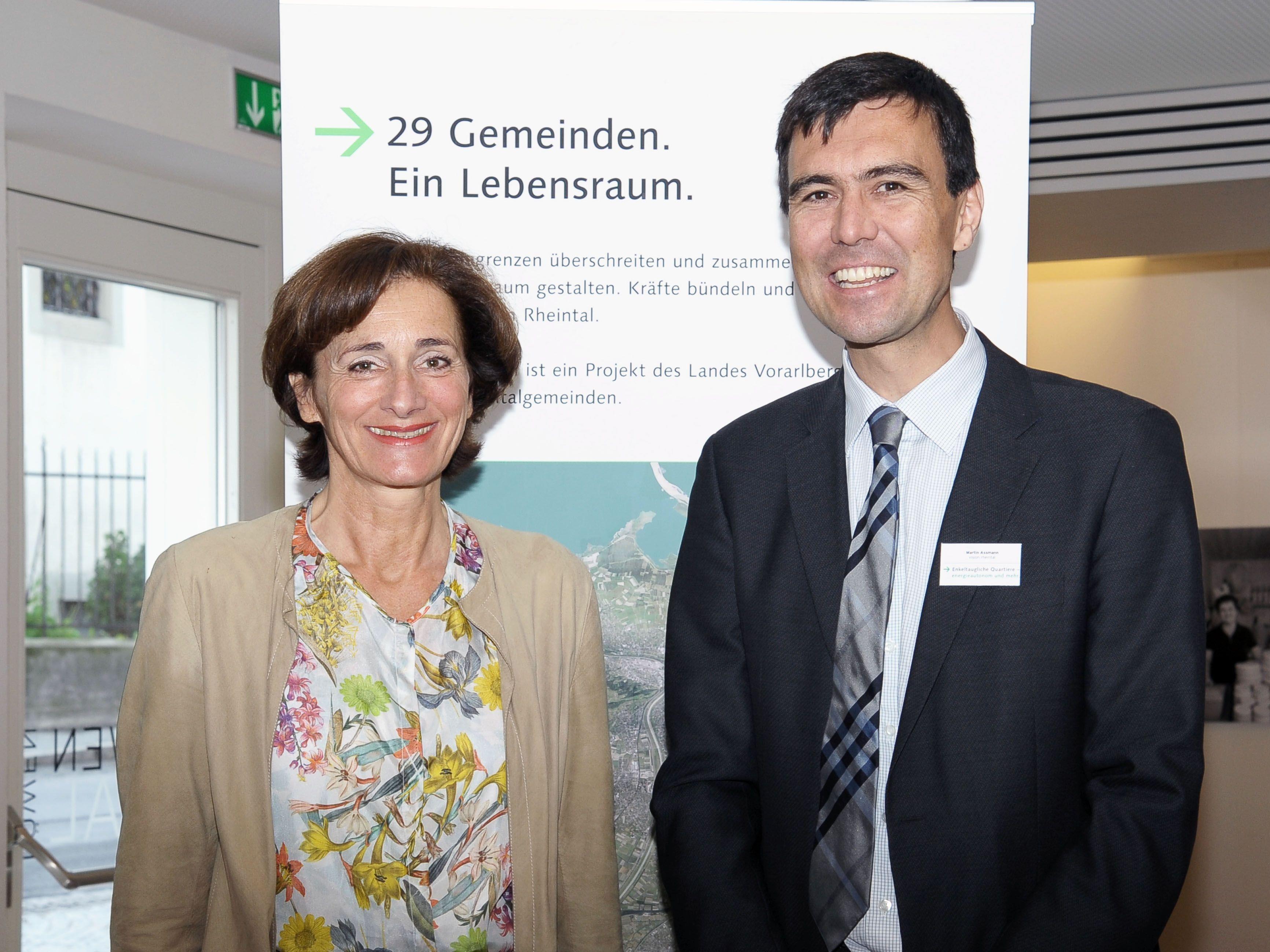 Landtagspräsidentin Dr. Bernadette Mennel mit Vision-Rheintal-Projektleiter Martin Assmann.