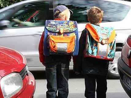 In Krems wurde ein 8-Jähriger in einer Rauferei von seinen Mitschülern schwer verletzt.