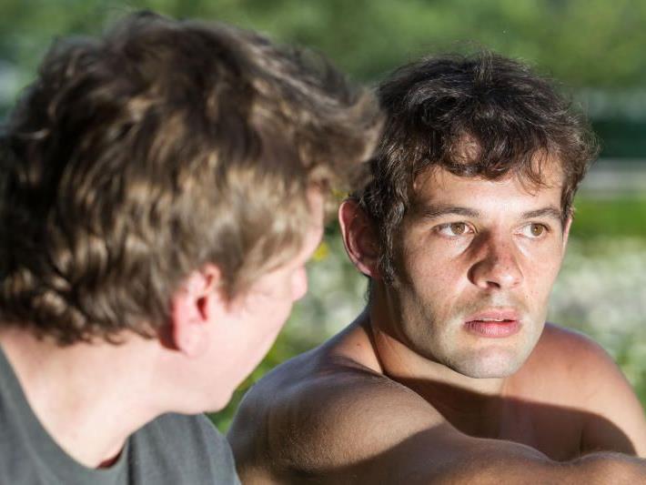 Forstfacharbeiter Sebastian Fritz erholt sich im Mountain Beach in Gaschurn von seinem schweren Unfall.