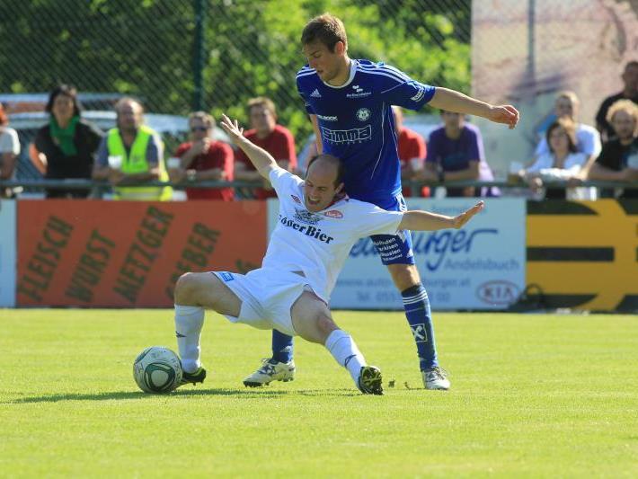 Mathias Mayer köpfte die 1:0-Führung aus kurzer Distanz.