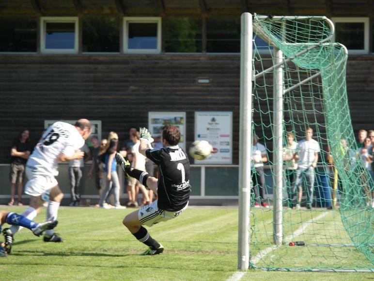 Mathias Mayer erzielte die 1:0-Führung per Kopf für FC Egg.
