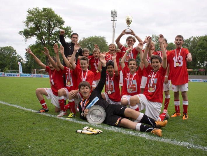 SMS Hohenems Markt gewann das Landesfinale gegen Bregenz Vorkloster hoch mit 6:1-Toren.
