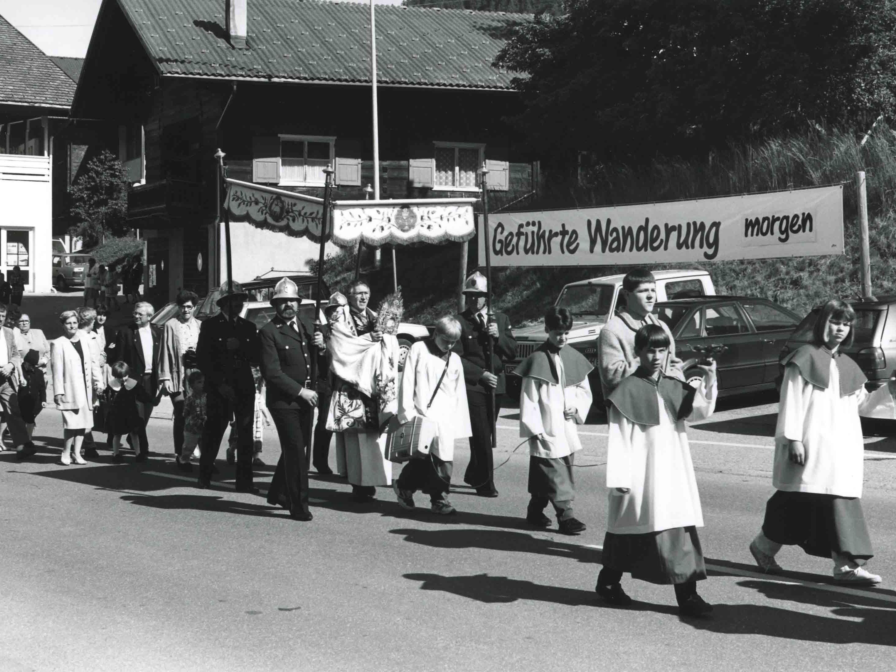 Vorarlberger Landesbibliothek erwirbt das Foto-Archiv von Nikolaus Walter.