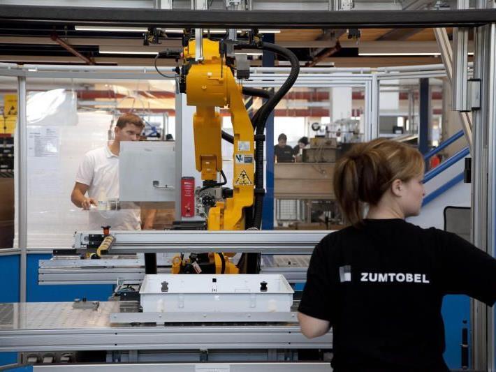 Analysten sehen für Zumtobel wenig Aufwärtstrend im Schlussquartal 2011/12.
