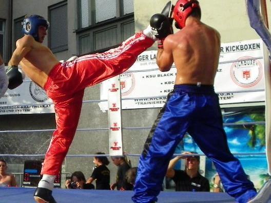 Kickboxwettkampf in der Innenstadt