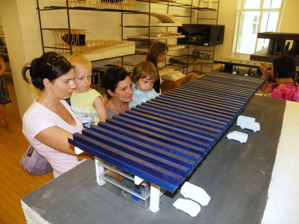 Familienbesuch in der  Zumthor Ausstellung