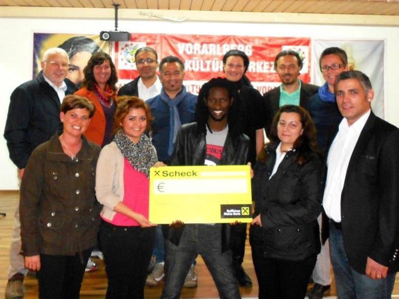 Verein sammelt 2700 Euro für ein Schulprojekt im Senegal.