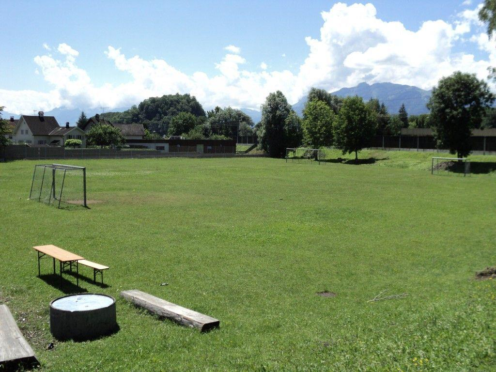 Sportplatz Moos (Tschutterplatz im Vordergrund bleibt bestehen)