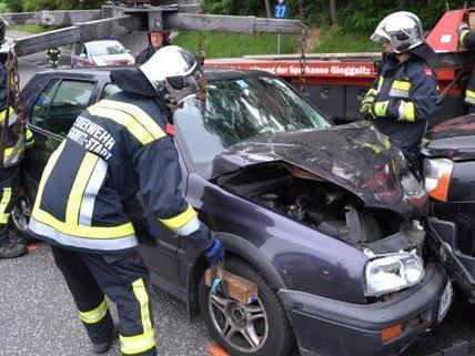 Schwerer Verkehrsunfall in Gloggnitz in Niederösterreich