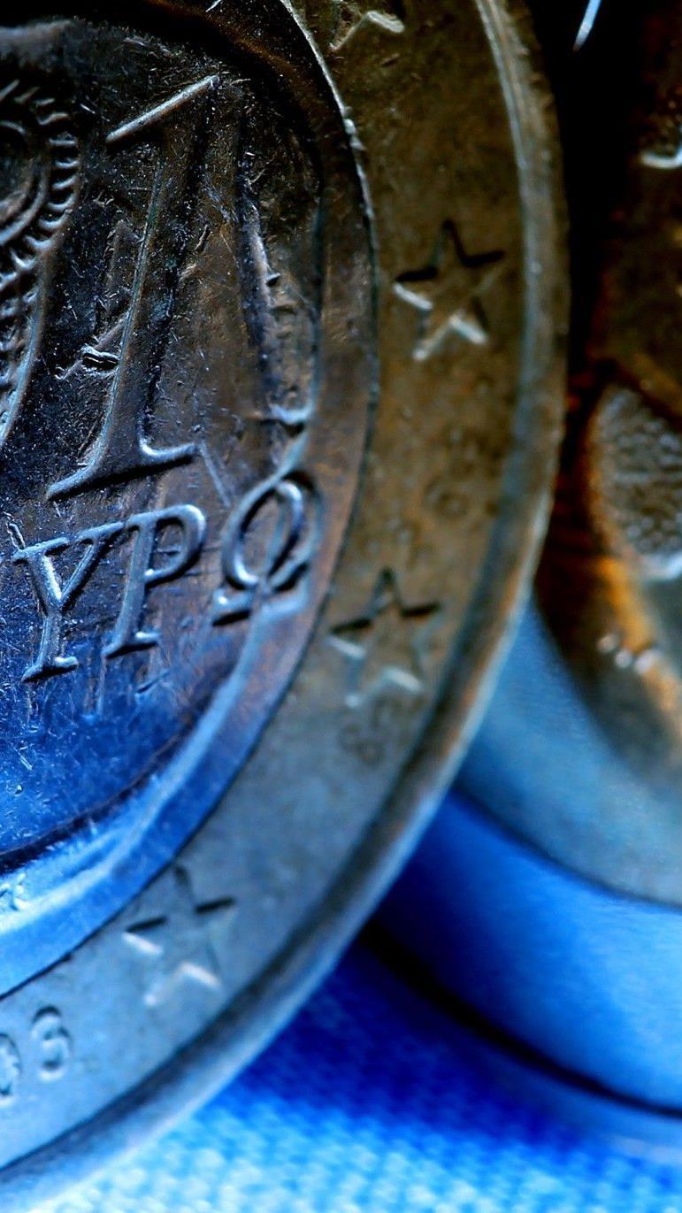 Euro-Aus für Hellas: Ökonomen fürchten Kettenreaktion.