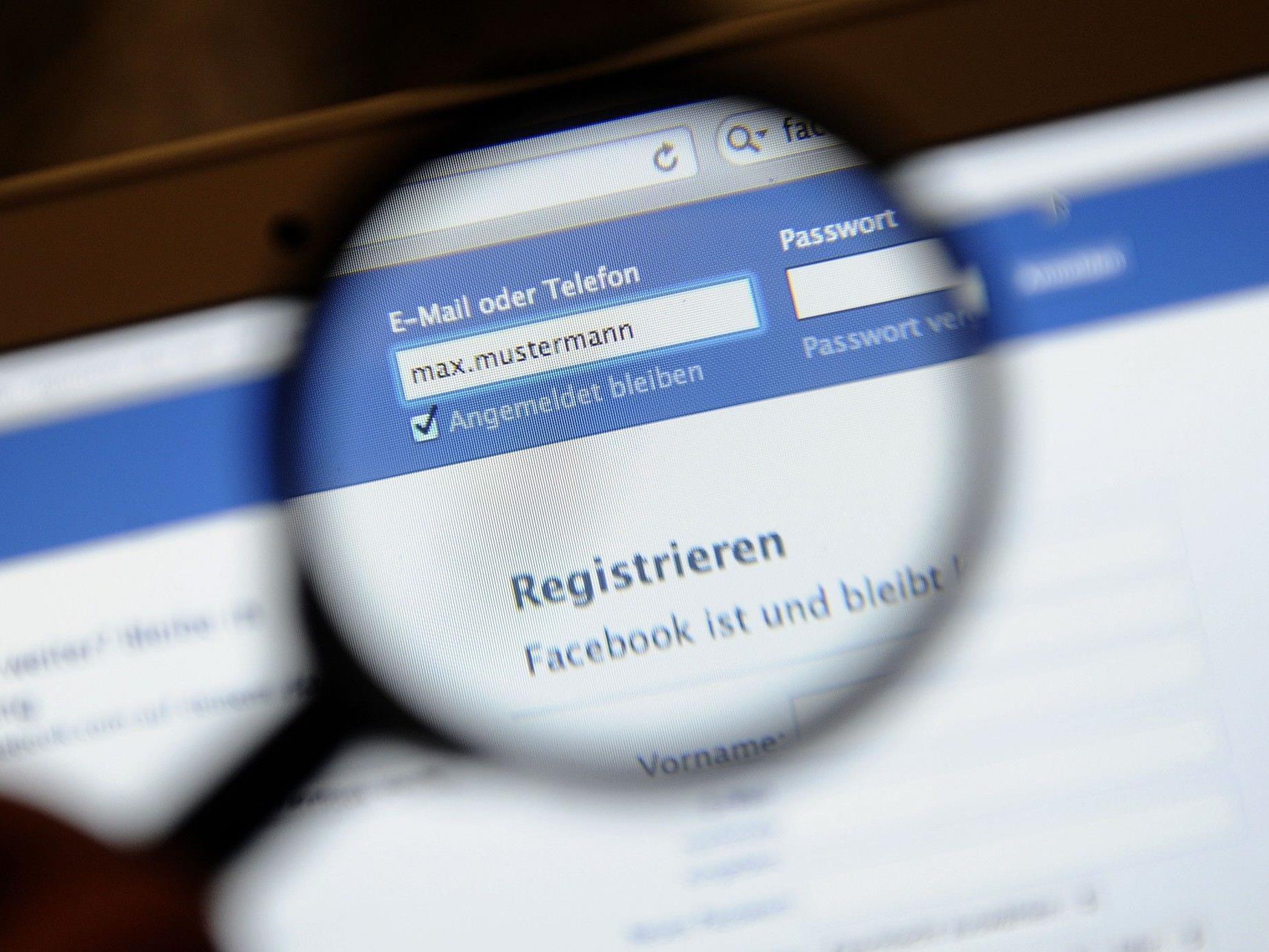 Facebook ruft User auf User mit Pseudonym zu denunzieren.