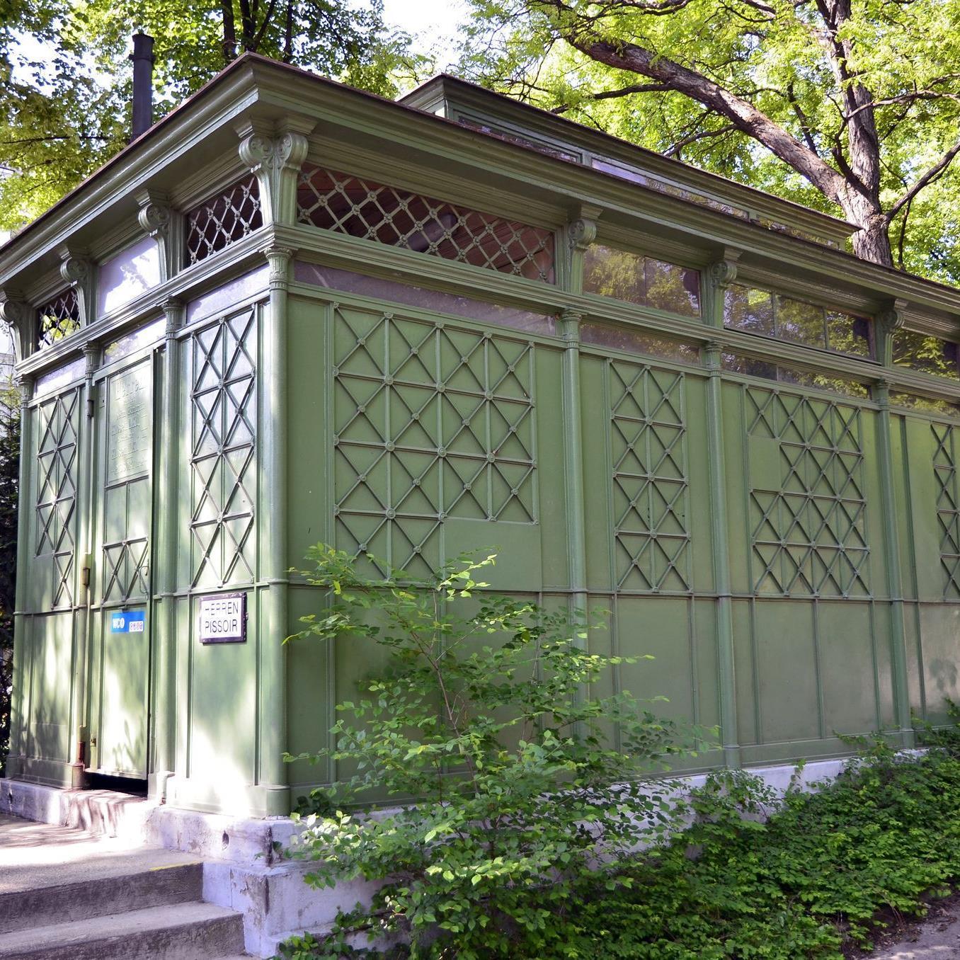 Historische Toilette im Türkenschanzpark