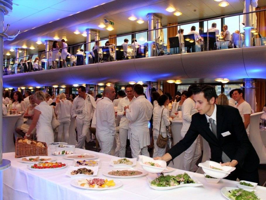 Tolle White-Night und ein köstliches Buffet von MO-Catering.